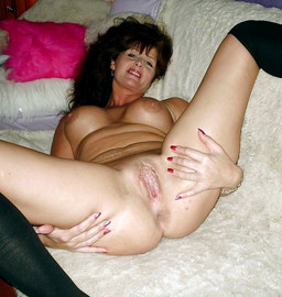 Hot mature girlfriends with spreaded..