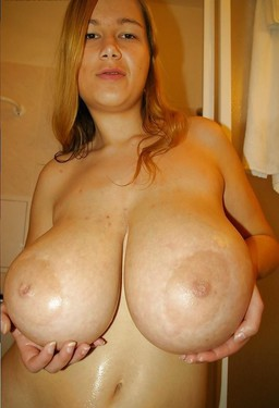 huge natural breasts, amateurs matures