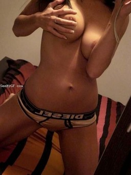 Amateur selfpics of the hottest FB..