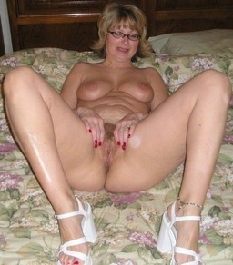 Hot and Naked moms from cold Switzerland