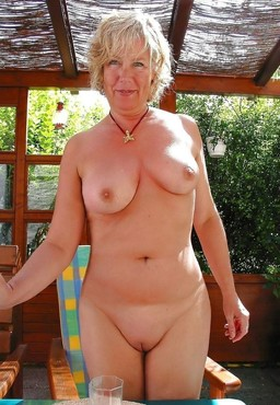 Old women and moms naked, Mature..