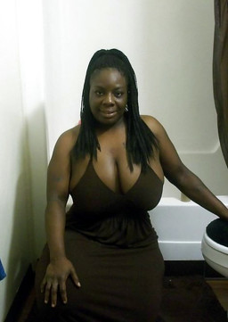 Lush and luxurious ebony lady exposing..