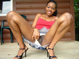 Amazing ebony girl spreads perfect..