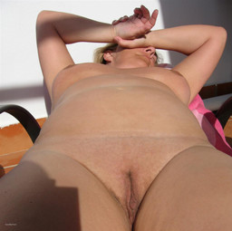Slut Julie sunbathing naked love big..