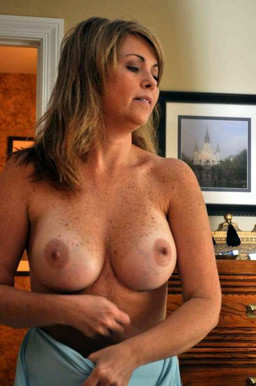 Big titted amateur wives fully naked..