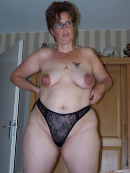 Titted Granny held up her pussy by a..