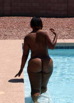 Ebony girlfriend shows off her perfect..