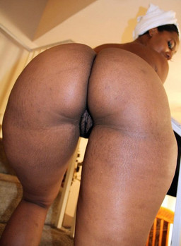 Fiftieth black woman bares big ass on..