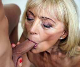 Lustful granny Szuzanne expended..