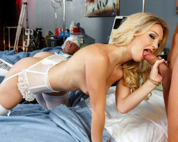 Blonde hottie Laura Bentley fuck the..