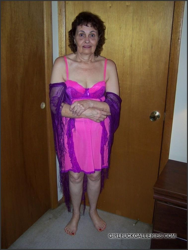 Naked milf in skirt